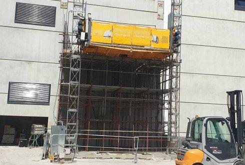 Acquistare o noleggiare montacarichi per edilizia?